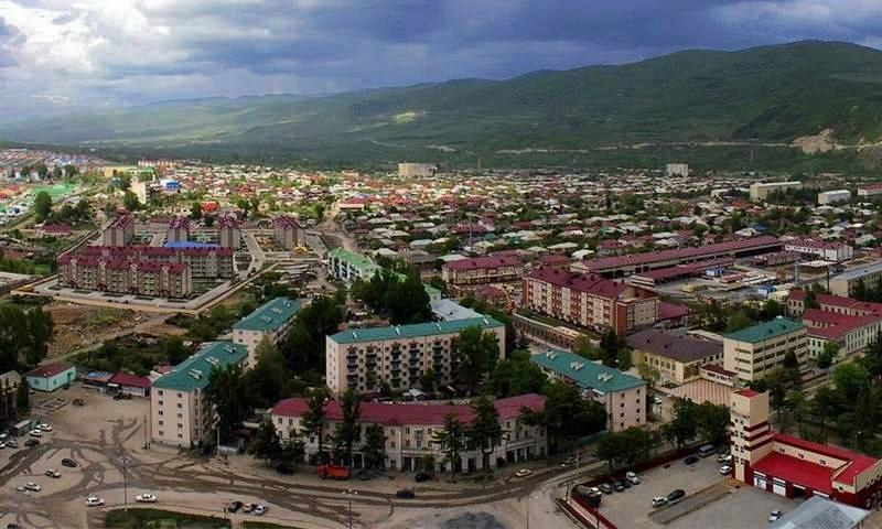 Власти Южной Осетии подарили Путину на день рождения улицу в центре Цхинвала