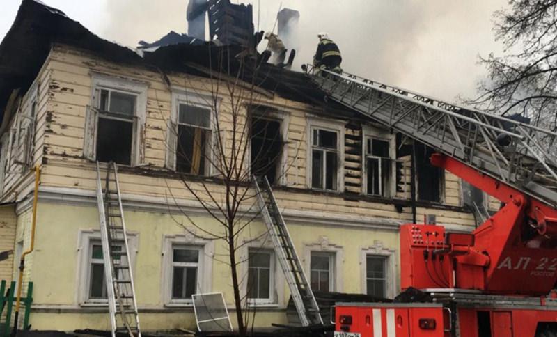 Отец троих детей оставил их в горящем доме, а сам выпрыгнул