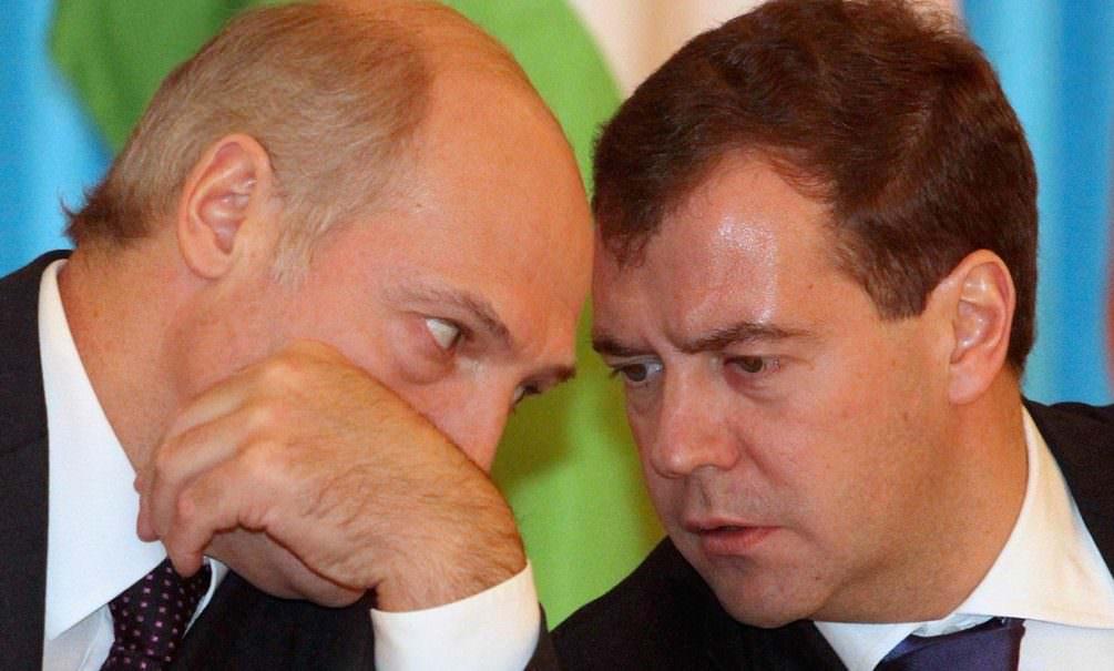 Медведеву не понравились слова Лукашенко об участии в
