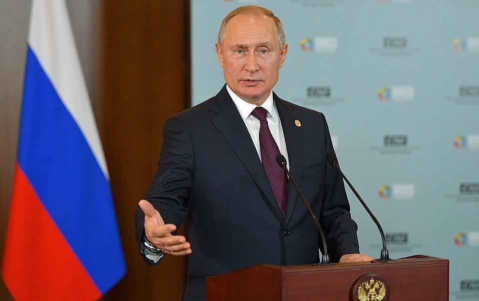 Путин признал, что доходы населения