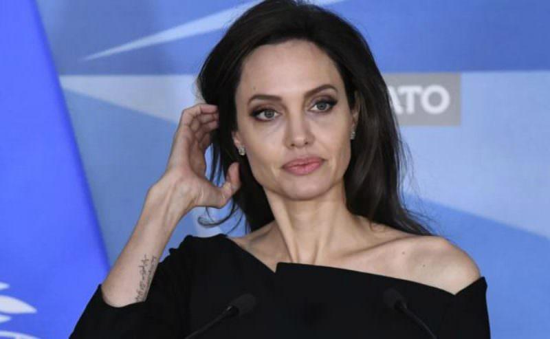 Анджелину Джоли эвакуировали со съемок из-за бомбы