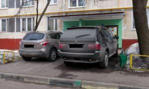 Находчивые дети отучили семью автохамов парковаться «где хочу»