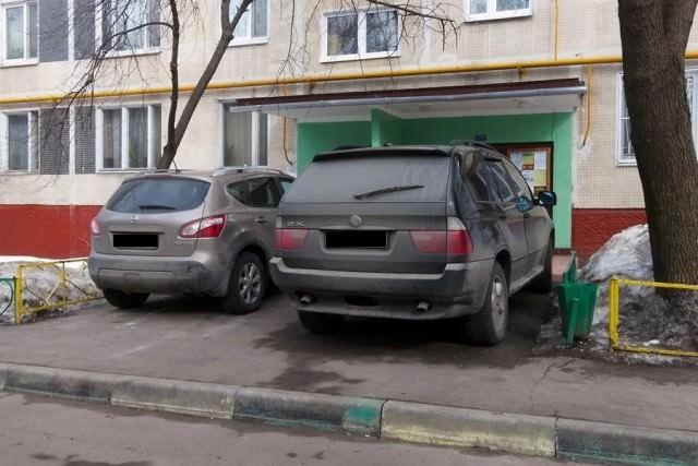 Находчивые дети отучили семью автохамов парковаться