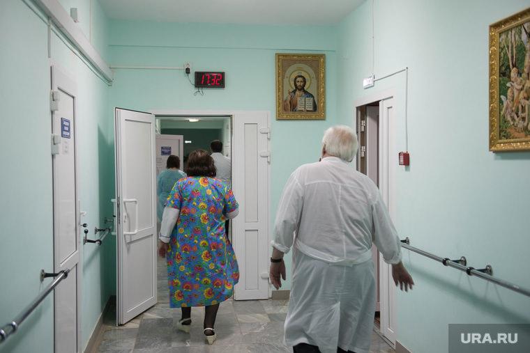 Суд заставил больницу решить вопрос с санитарками, за которых заступился Путин