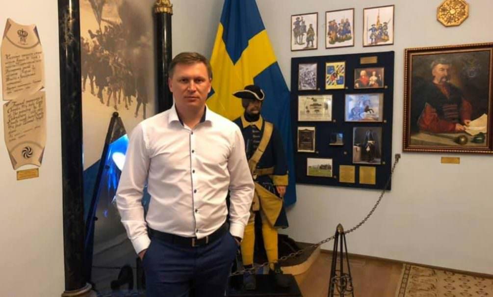 «Москва, звонят колокола»: на Украине чиновника побили, потому что мешал слушать Газманова