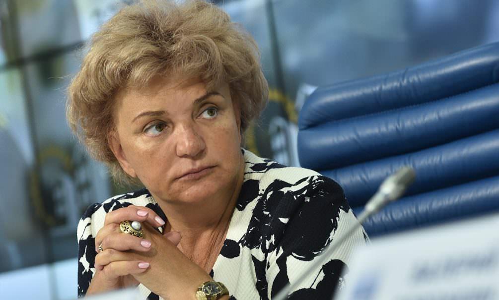Не чушь! Министр уволила чиновницу, которая одобрила новый порядок медосмотра