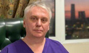 Уникального детского хирурга уволили из-за применения препарата в обход указания Минздрава