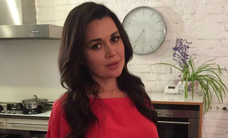 Семья Анастасии Заворотнюк вышла на связь с заявлением