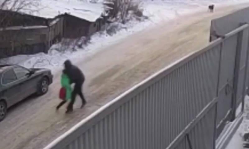 Подростку, спасшему девочку от педофила, подарили настольную игру