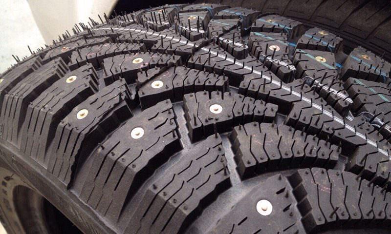 В России задумали поднять цену на шипованную резину