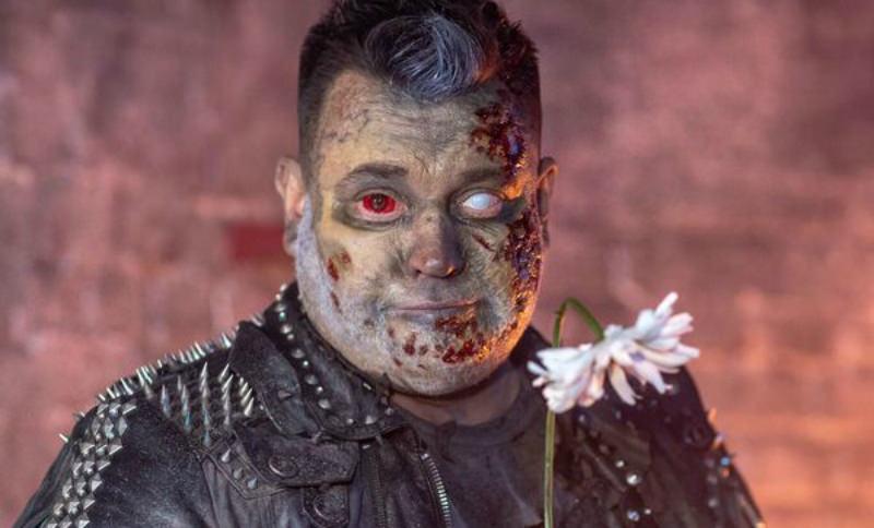 Сергей Жуков устроил зомби-бойню в клипе в честь Хэллоуина