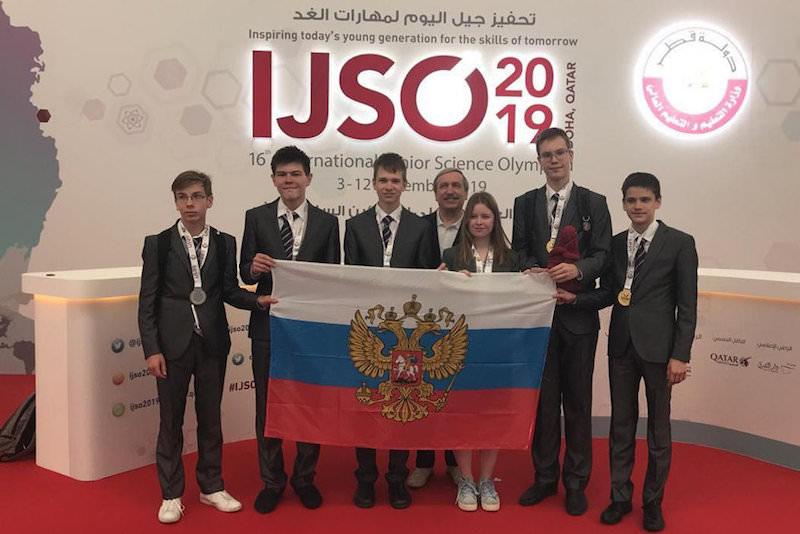 Российские школьники завоевали шесть медалей на научной олимпиаде в Катаре