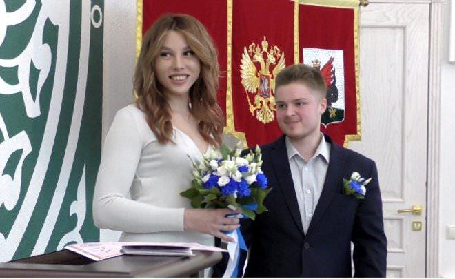 Пара трансгендеров официально зарегистрировала брак в Казани