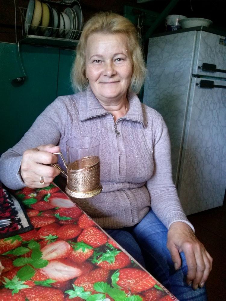 Вологодский почтальон 35 лет разносит письма и лекарства по лесному бездорожью