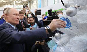 «Это легко»: Путин вытянул новогоднее желание мальчика из детского дома