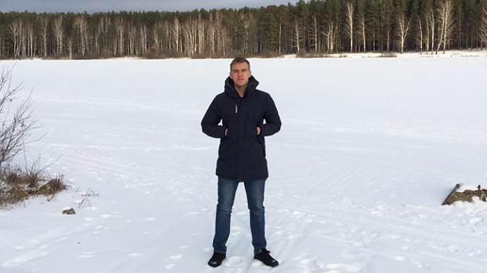 В Свердловской области студент спас школьника, провалившегося под лед