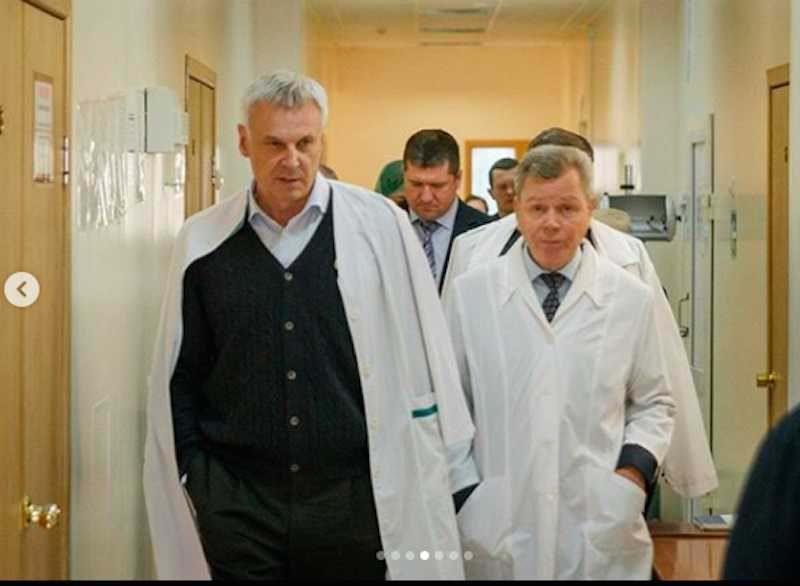 Губернатор отправил чиновников считать постельное белье в больнице
