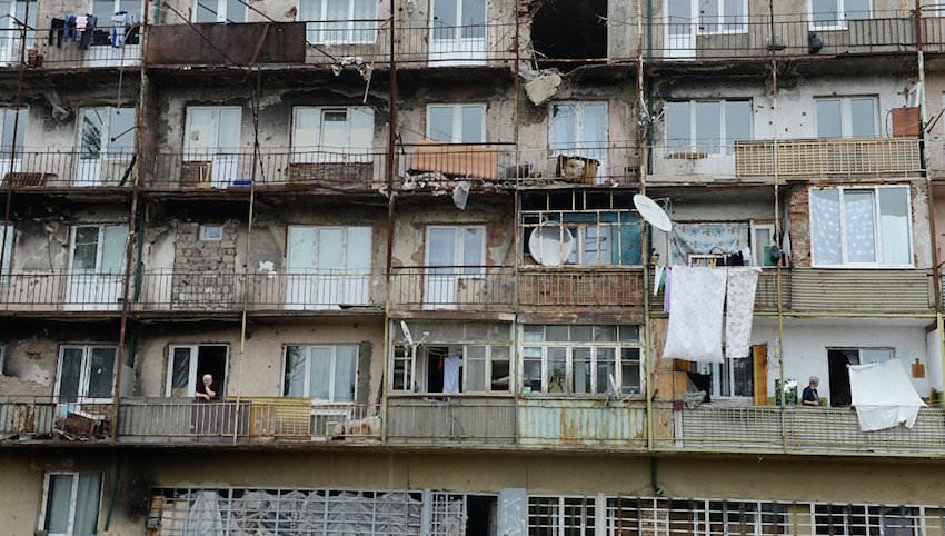 Живущим в аварийных домах россиянам предложат льготную ипотеку