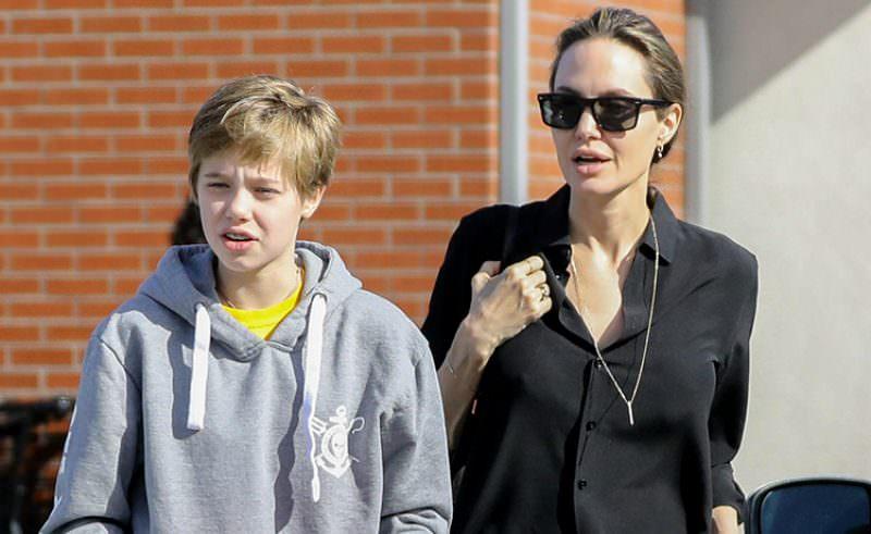 Дочь-трансгендер Джоли и Питта официально стала Джоном