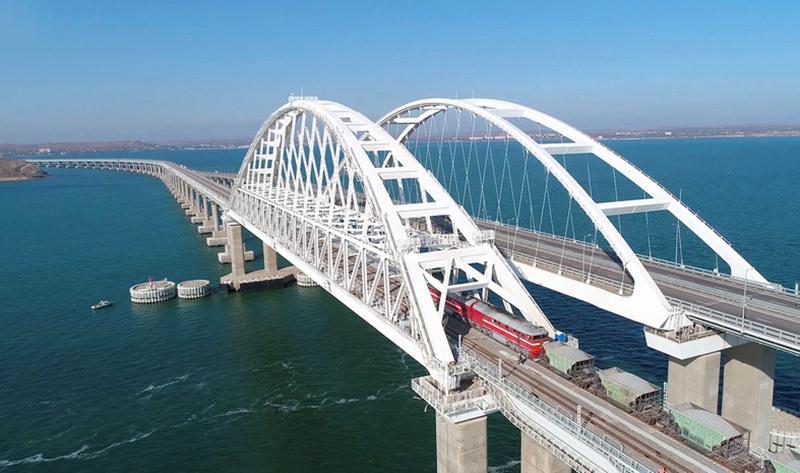 Путин примет участие  в открытии железнодорожной  части Крымского моста