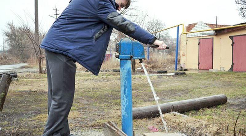 Местная власть установила счетчик на уличную водоколонку