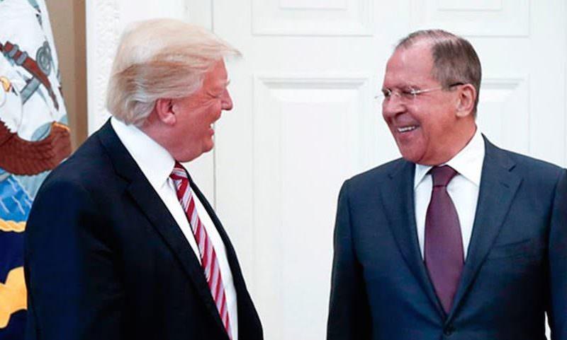 Надо бы и дипломатов проверить на допинг: Лавров отшутился  на «русский след»