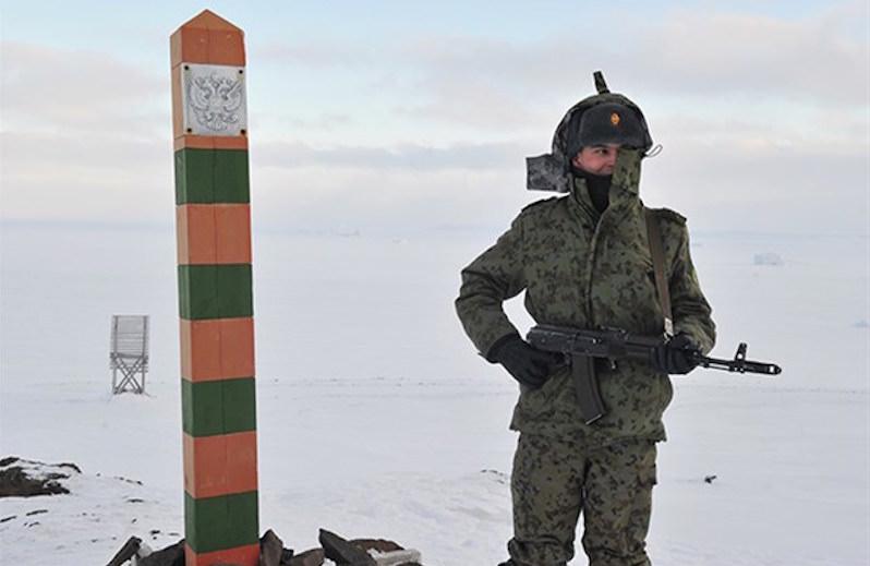 Высокопоставленный чиновник ФСБ «потерял» 650 млн рублей: как раз на две заставы