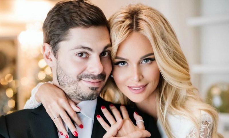 В Сети появились видео с тайной свадьбы Виктории Лопыревой