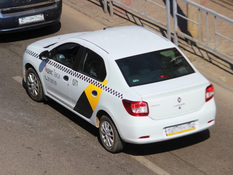 Анонимные таксисты устроили междоусобную войну