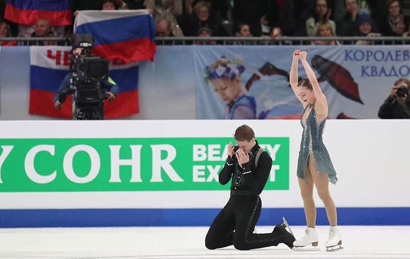 Российские пары заняли весь пьедестал почета на чемпионате по фигурному катанию в Граце
