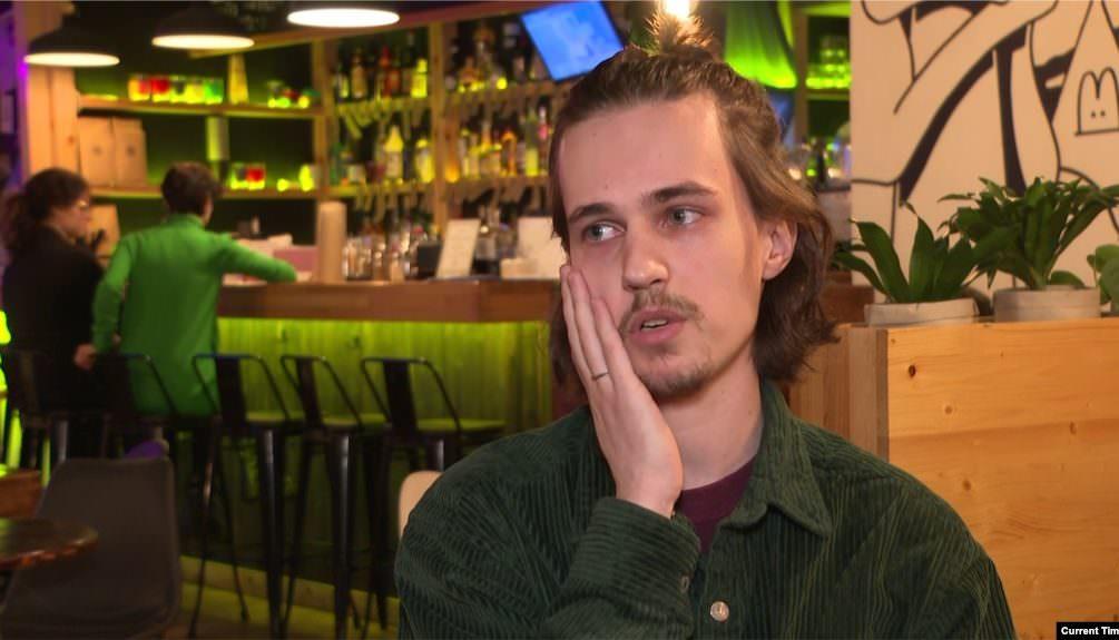 Комик Долгополов уехал из России из-за обвинения в оскорблении чувств верующих
