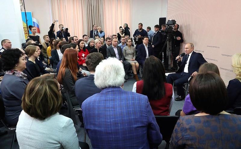 «Есть Жириновский - есть ЛДПР, нет Жириновского - …»: Путин о партии одного лидера