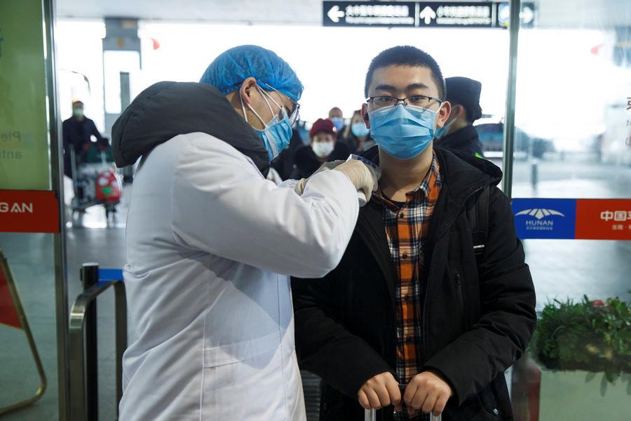 Коронавирус поразил уже почти 10 тысяч человек по всему миру