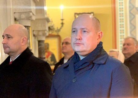 Врио губернатора Севастополя появился на рождественской службе с рогами