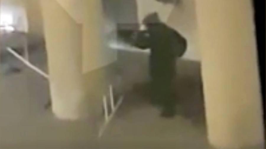 Из ФСБ уволили 16 человек, снимавших на видео стрельбу на Лубянке
