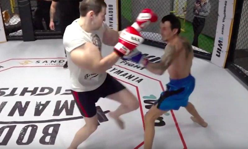 Опубликовано видео боя фрика «Руки-базуки» против бывшего заключенного