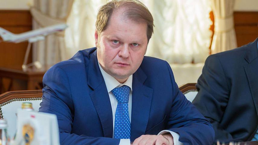 Замминистра пожаловался в Следственный комитет России на взятку и водку