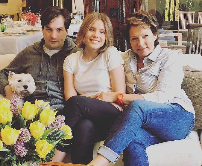 СМИ: Федор Смолов женится на 17-летней внучке Ельцина