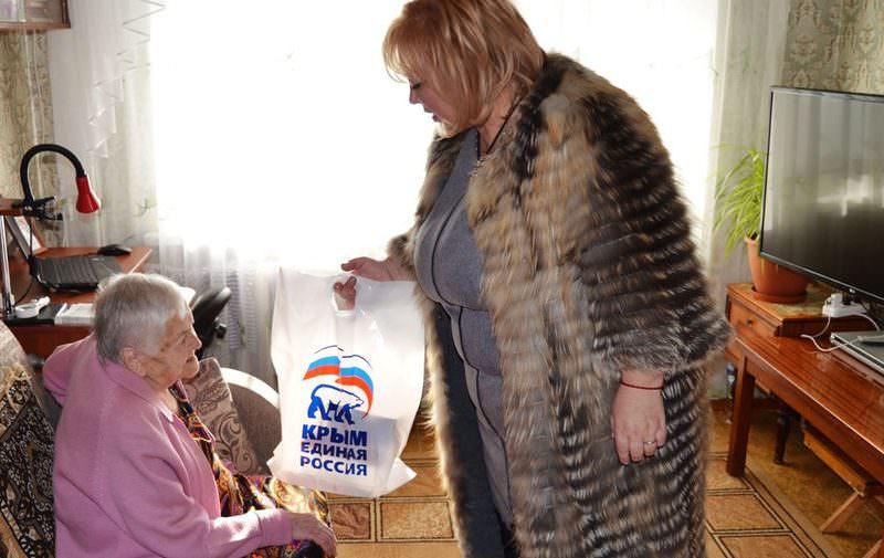 Глава горсовета Керчи передумала подавать заявление об отставке из-за подаренных блокадникам пирогов с мясом