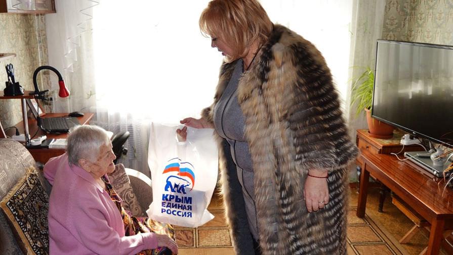 Глава горсовета Керчи подала в отставку из-за  пирогов для блокадников. И тут же передумала