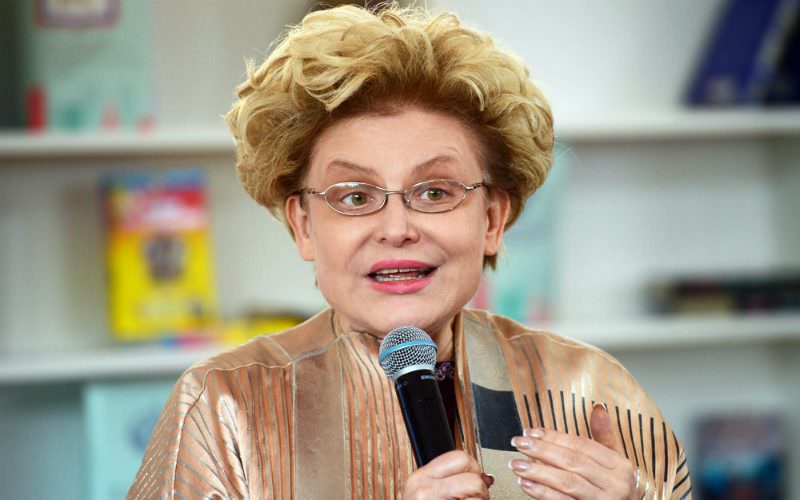 Елена Малышева предложила сосущим табак подросткам отведать фекалии