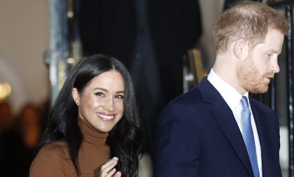 Принц Гарри и Меган Маркл решили отказаться от привилегий членов королевской семьи