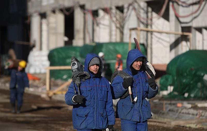 В России собираются отменить проверки предприятий, где работают мигранты