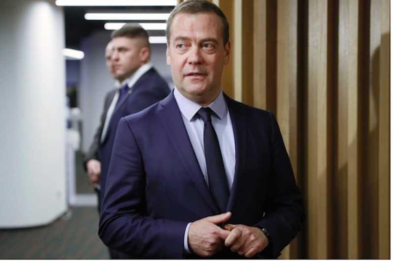 Путин создал новую должность для Медведева