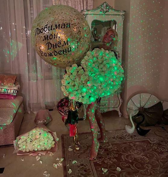 «Семь платьев и бриллиантовая корона»: Волочкова объявила свадьбе
