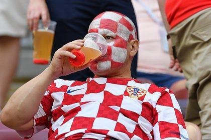 Россияне выступили против возвращения пива на стадионы
