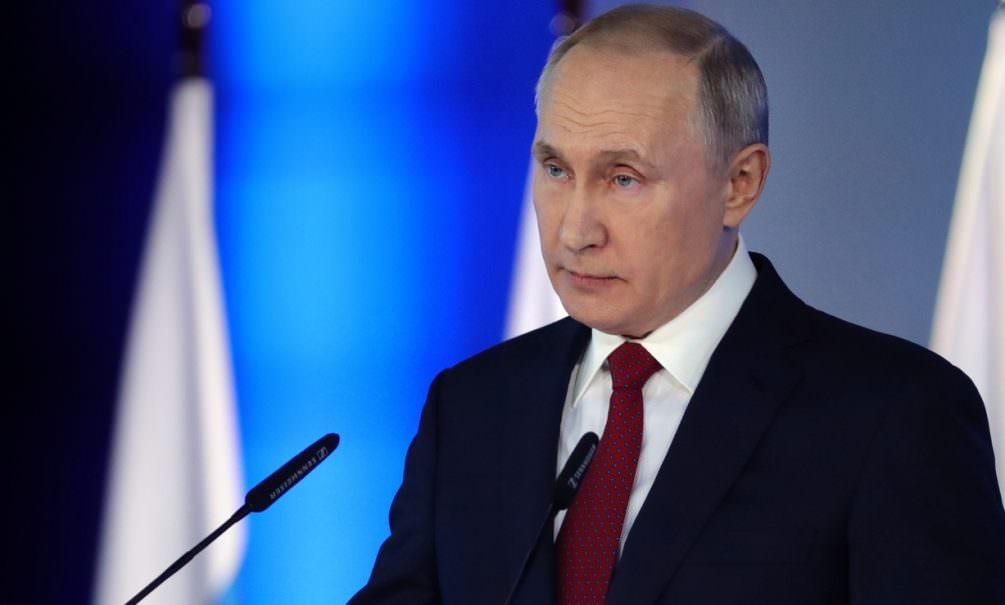 Моральными уродами назвал Путин выступающих против поддержки семей с детьми