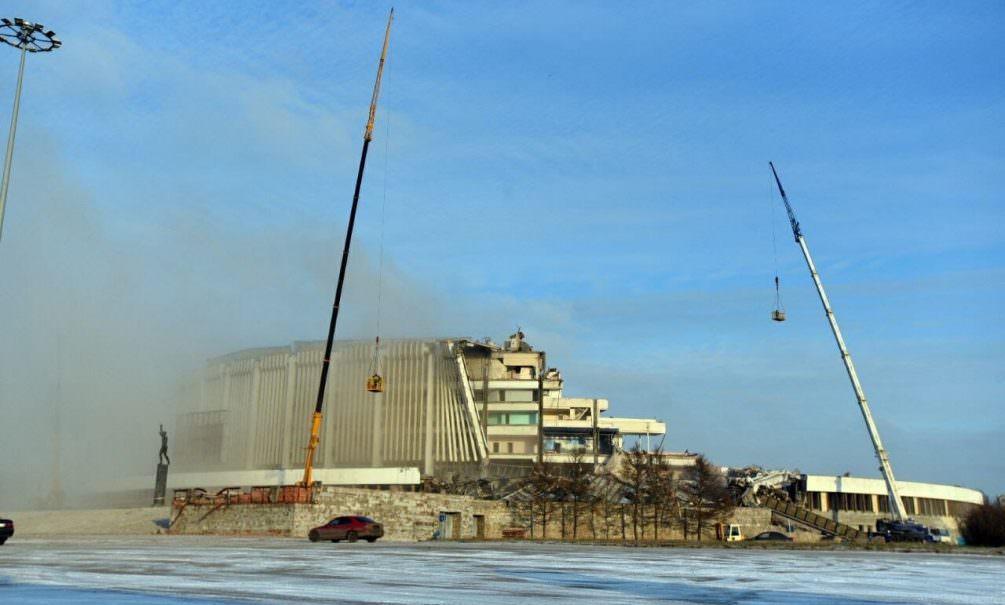 В Петербурге во время демонтажа стадиона рухнула крыша
