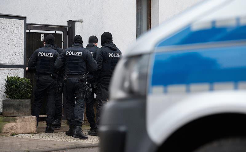 В Германии неизвестный открыл огонь по людям: есть погибшие