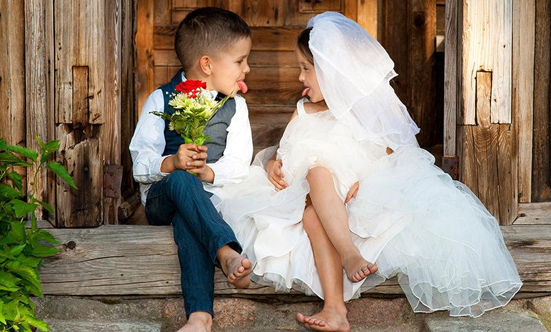 В России захотели скорректировать брачный возраст